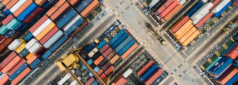 Pour vos marchandises en container, calculez vos coûts d'expédition pour la France avec transporteca.
